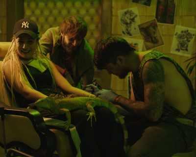 Поли Генова си направи истинска татуировка в новия си клип