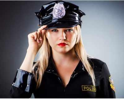 Британска полицайка плати за нездравото си ...