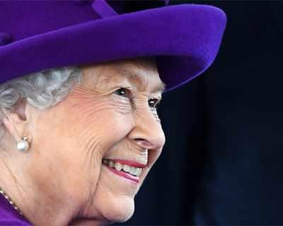 Елизабет II похарчи колосална сума за коледните си ...
