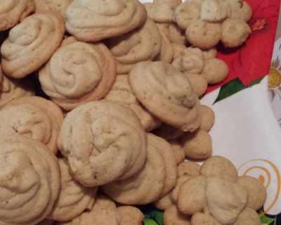 Шприцовани маслени сладки с лайм и мента