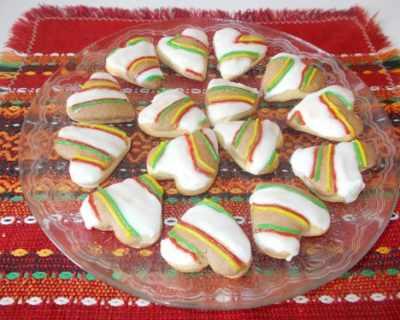 Цветни сладки с лимонова глазура