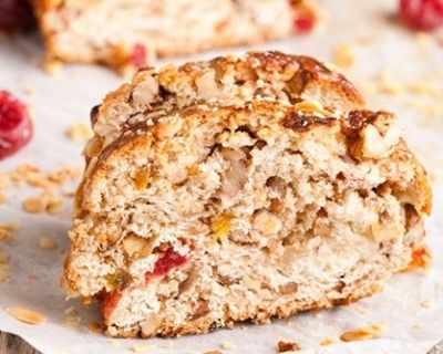 Сладък хляб със сушени плодове