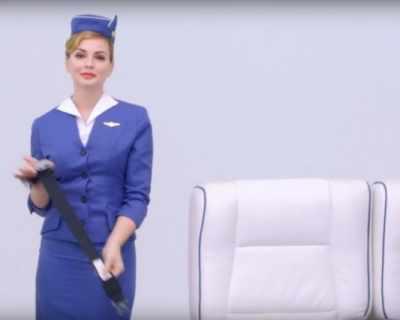 Как се е променяла униформата на стюардесите през ...