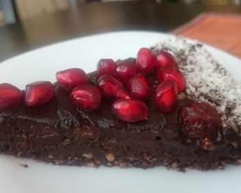 Бърза сурова торта без брашно и захар