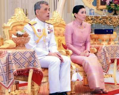 Кралят на Тайланд се ожени за генерал - СНИМКИ