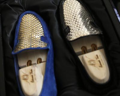 Италиански обущар създаде обувки от 24-каратово злато